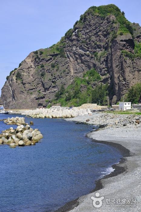 Playa Tonggumi Mongdol (통구미몽돌해변)4