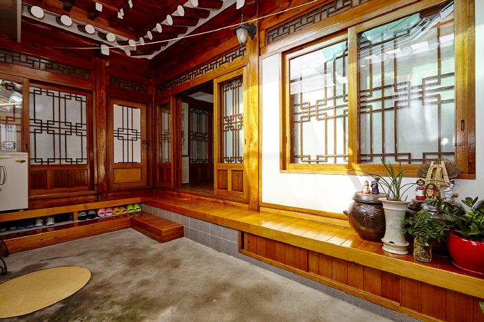 Hyu Guesthouse (휴게스트하우스)[한국관광품질인증/Korea Quality]