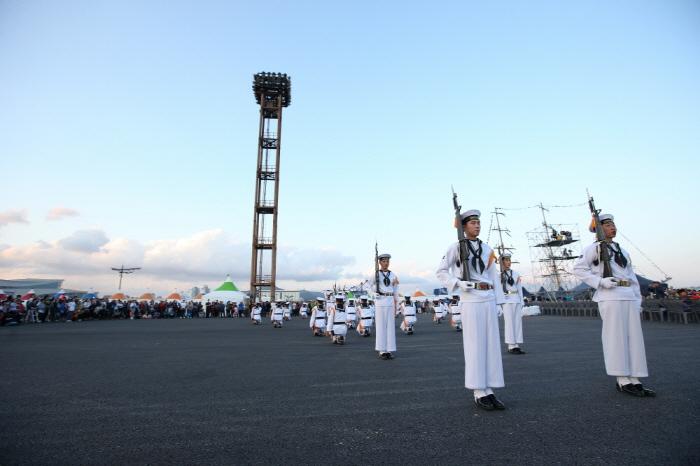 Busan Port Festival (부산항축제)