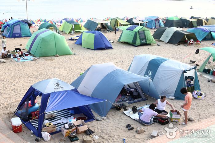Gujora Beach (구조라해수욕장)