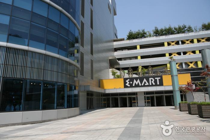 E-MART 龙山店(이마트 용산점)