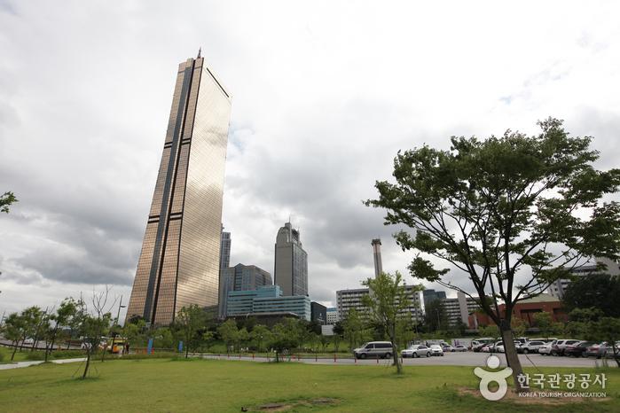 Seoul 63 Square-Hanwha Hotel and Resorts (서울 63 스퀘어-한화호텔앤드리조트)