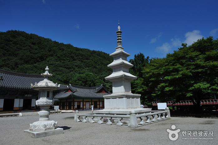 Храм Нэчжанса (내장사)
