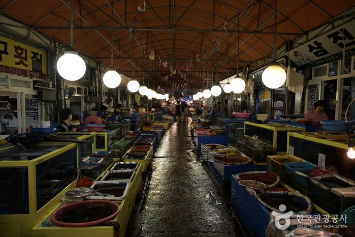 馬山魚市場(마산어시장)