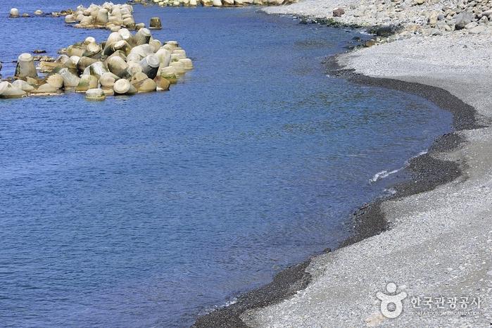 Playa Tonggumi Mongdol (통구미몽돌해변)3