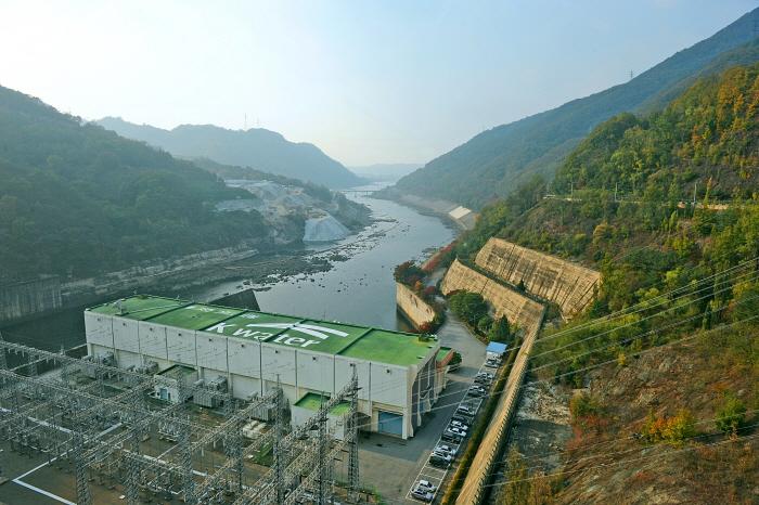 Chungju Dam (충주댐)