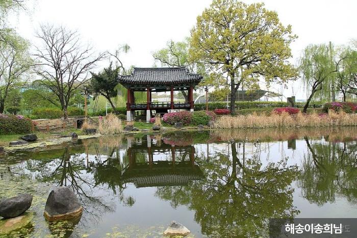 Parc du croisement Cheonan (천안삼거리공원)