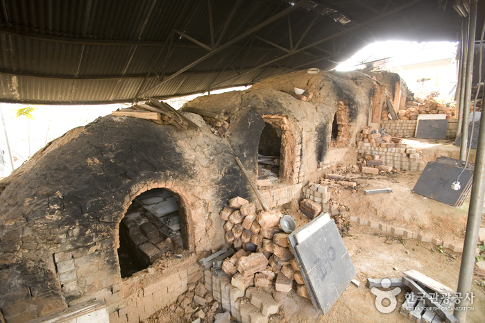 Icheon Ceramics Village ()