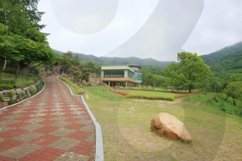 온화하고 경건하게, 천주교 성지 여행