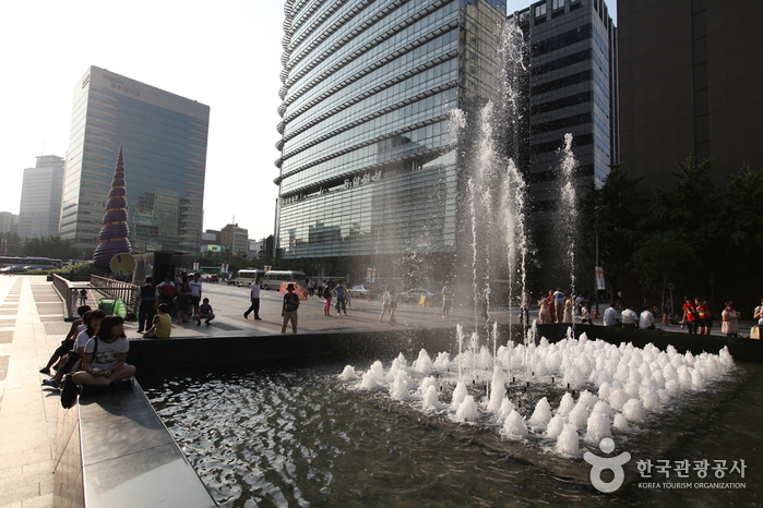 Cheonggye Plaza ()