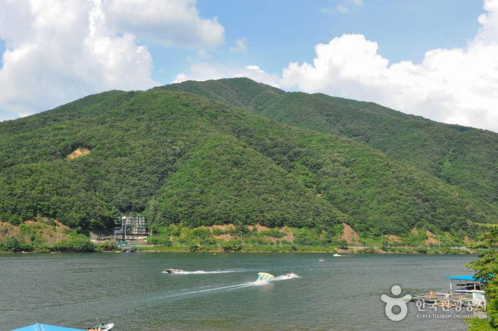 Cheongpyeong Lake (청평호반)