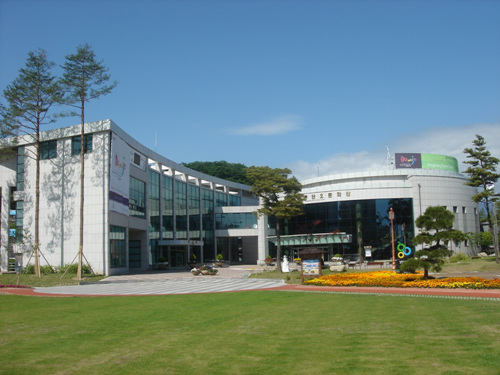 Gangneung Dano Cultural Center (강릉단오문화관)