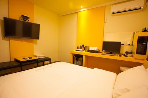 菲尔酒店(Phil Hotel)