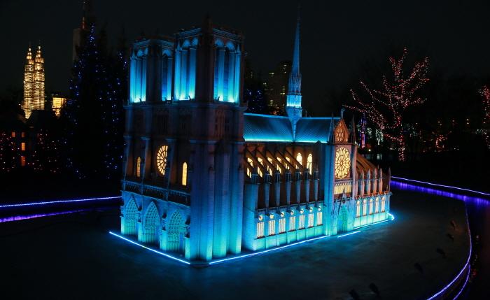 Bucheon Aiins World  - World Nightview Fantasy Lighting Festival (부천 아인스월드 빛축제 - 세계야경 판타지 빛축제)