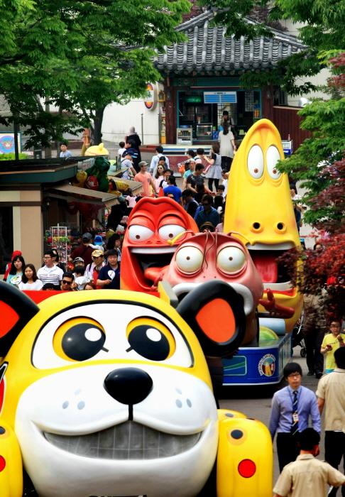 Цветочный фестиваль в парке Seoul Land (서울랜드 캐릭터플라워페스티벌)