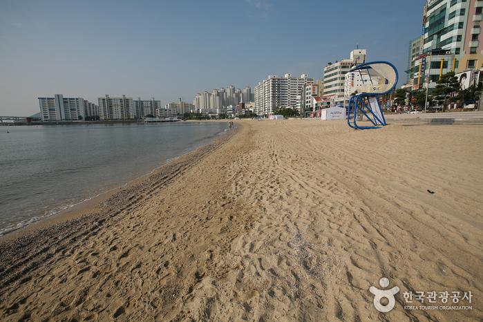 廣安里海水浴場(광안리해수욕장)