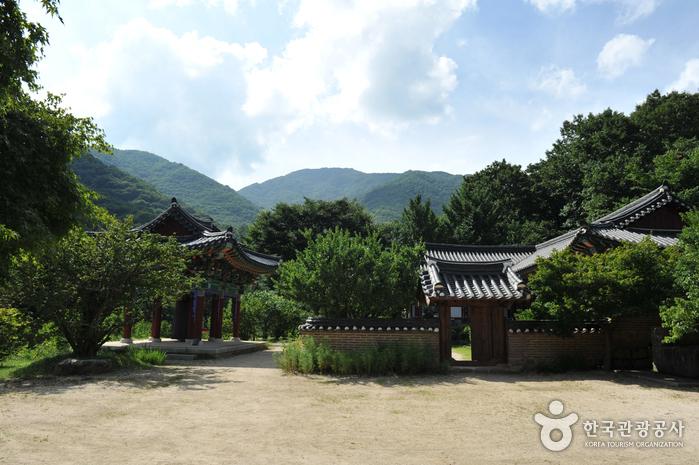 Gurye Yeongoksa Temple (연곡사 (구례))