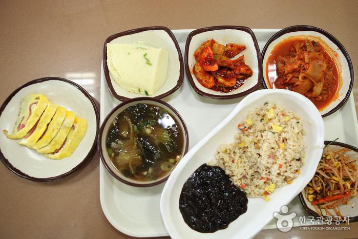 행담도휴게소의 자율식당