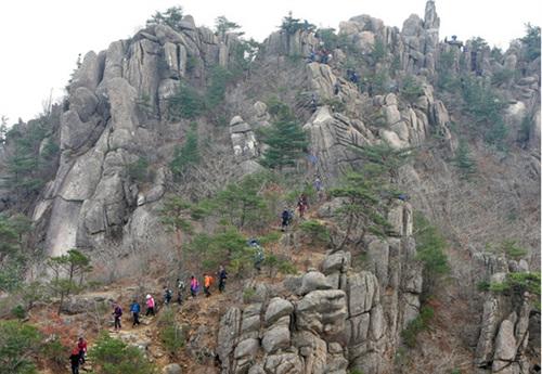 伽倻山国立公园(红流洞,清凉洞地区)가야산국립공원(홍류동,청량동지구)