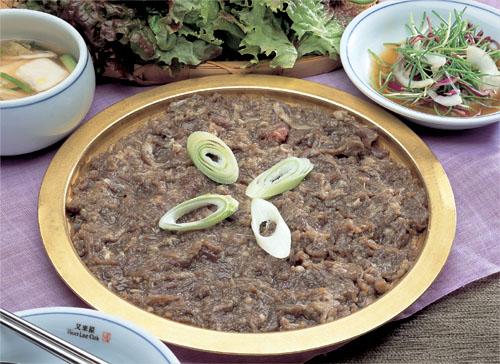 Wooraeoak (우래옥 [서울의 자랑스러운 한국음식점])
