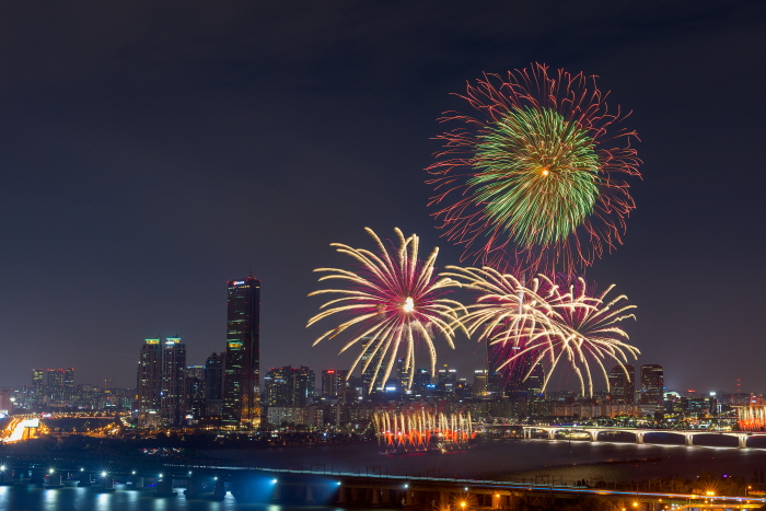 首爾世界煙火節(한화와 함께하는 서울세계불꽃축제)5