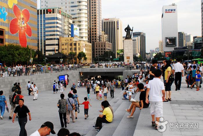 Plaza Gwanghwamun (광화문광장)19