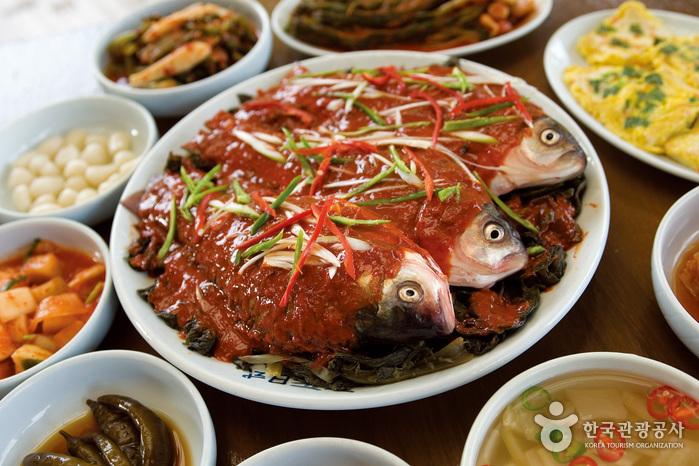 茁浦会館食堂(줄포회관)