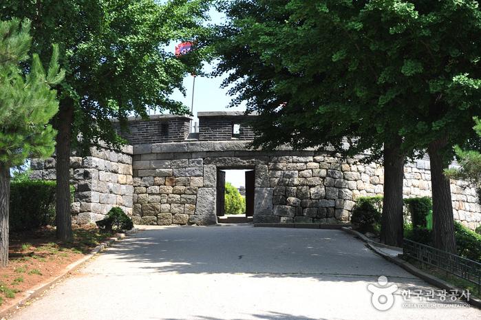 Chojijin Fortress (초지진)