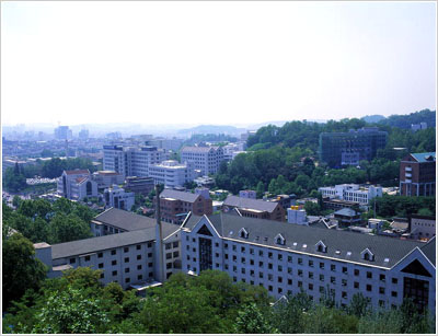 梨花女子大学(이화여자대학교)