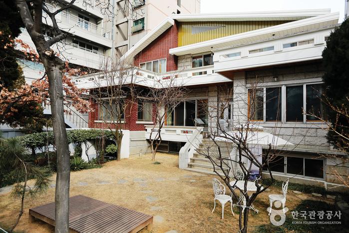최규하 전 대통령이 30여 년간 거주했던 서울 마포구 서교동 가옥
