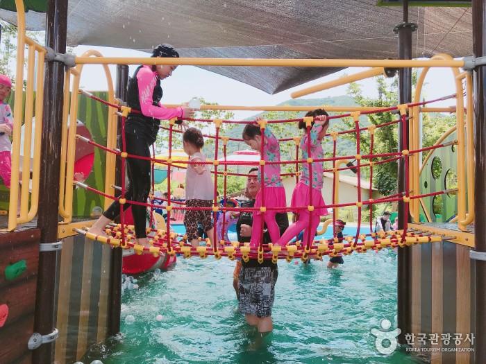 숲속마을 물놀이장 -  어린이놀이터