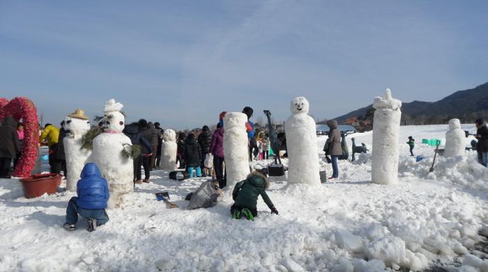 智异山南原钵来峰雪花节(지리산 남원 바래봉 눈꽃축제)