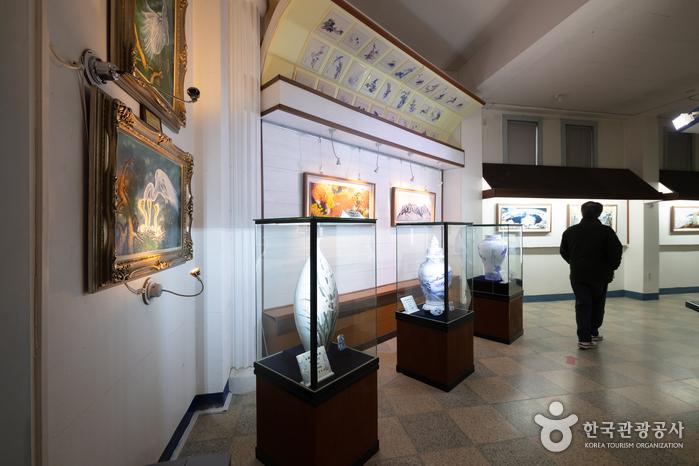 石峰陶磁器美術館(석봉도자기미술관)