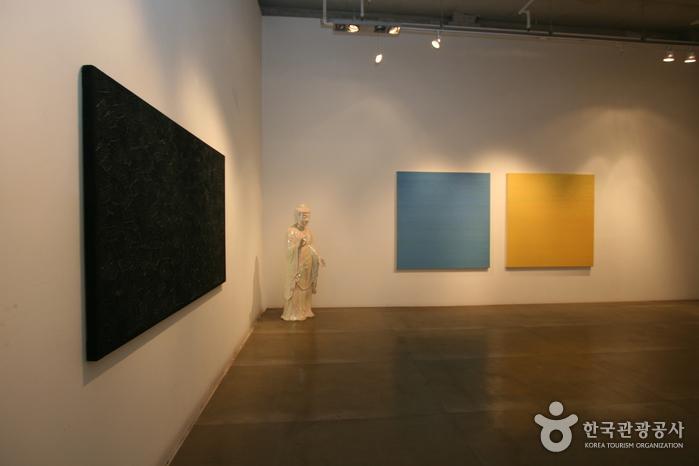 Gallery Simon (갤러리 시몬)