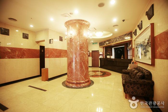 Туристический отель Masters (마스터스관광호텔)