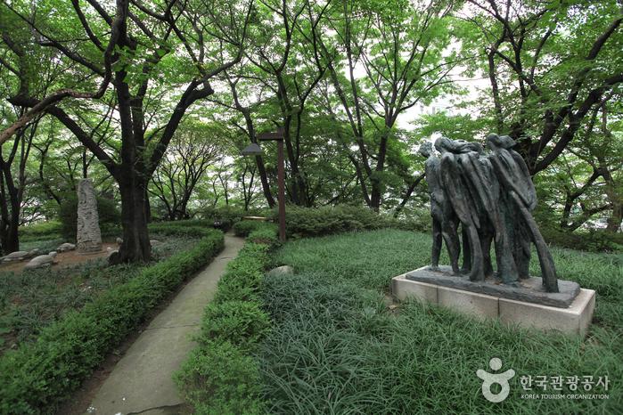 Художественная галерея Сонгок (성곡미술관)10