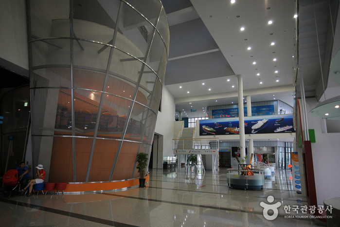 巨済造船海洋文化館(거제 조선 해양문화관)