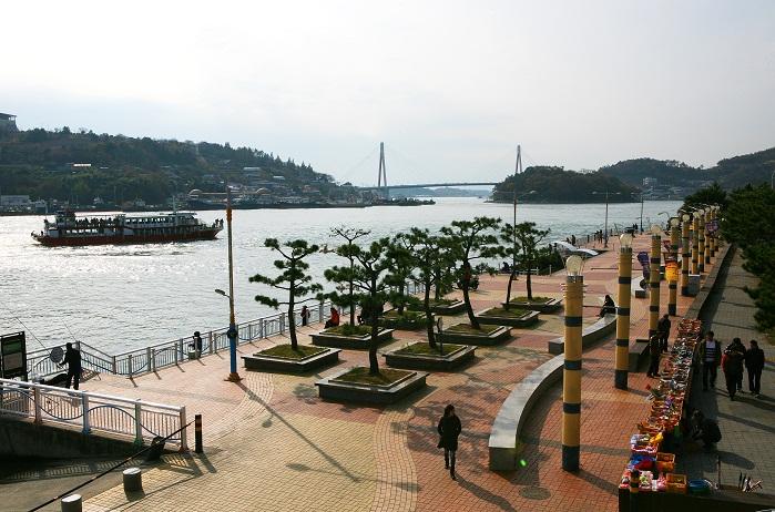 麗水旧港海洋公園(여수구항 해양공원)