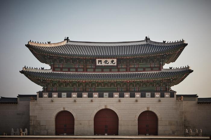 Ворота Тэханмун во дворце Токсугун (덕수궁 대한문)12