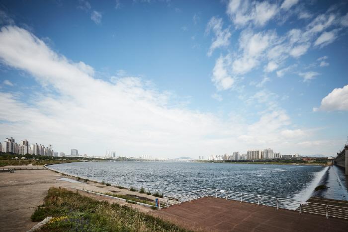 Городской парк Ханган в районе Чамсиль (한강시민공원 잠실지구(잠실한강공원))15