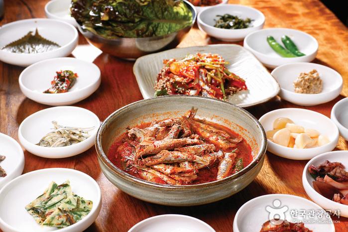 ウリ食堂(우리식당)