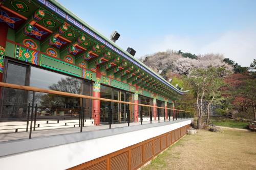Myongwolgwan (Sheraton Grande Walkerhill) (워커힐호텔 명월관)