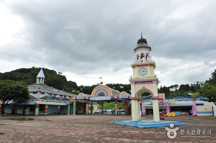 Gwangju Family Land (광주 패밀리랜드)