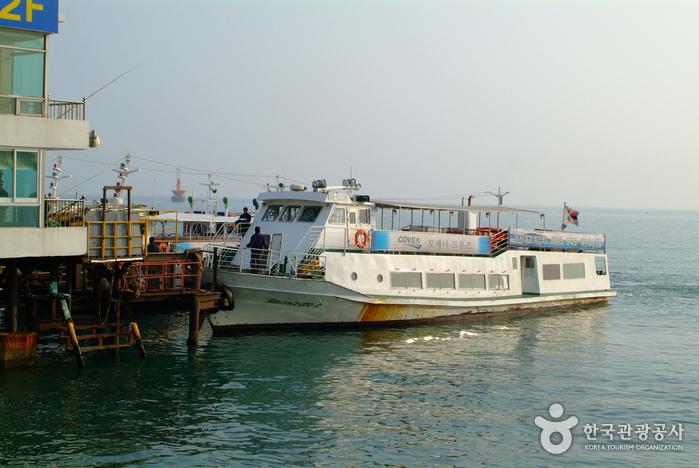 Haeundae Cruise Boat (부산 해운대 관광 유람선(오륙도))
