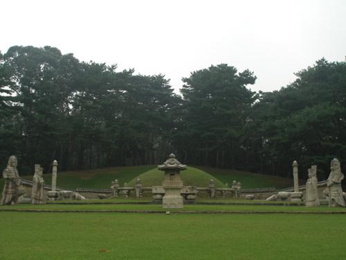 Heolleung / Illeung (a.k.a. Heonilleung) [UNESCO World Heritage] (서울 헌릉과 인릉 [유네스코 세계문화유산])
