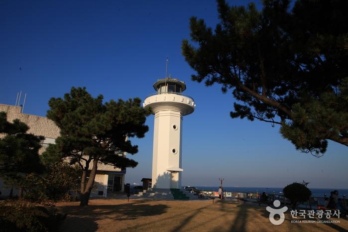 艮絶串灯台(간절곶 등대)
