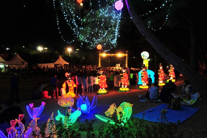 Militärkultur-Festival Gyeryong (계룡 군문화축제)