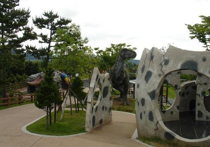 Goseong Dinosaur Museum (고성 공룡박물관)