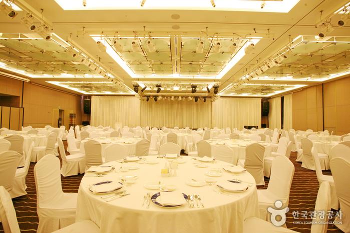 Paradise Hotel Busan (파라다이스 호텔 부산)