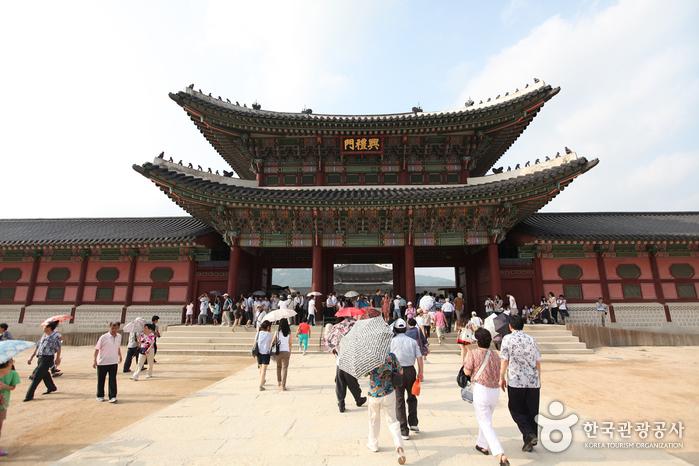 Дворец Кёнбоккун (경복궁)7
